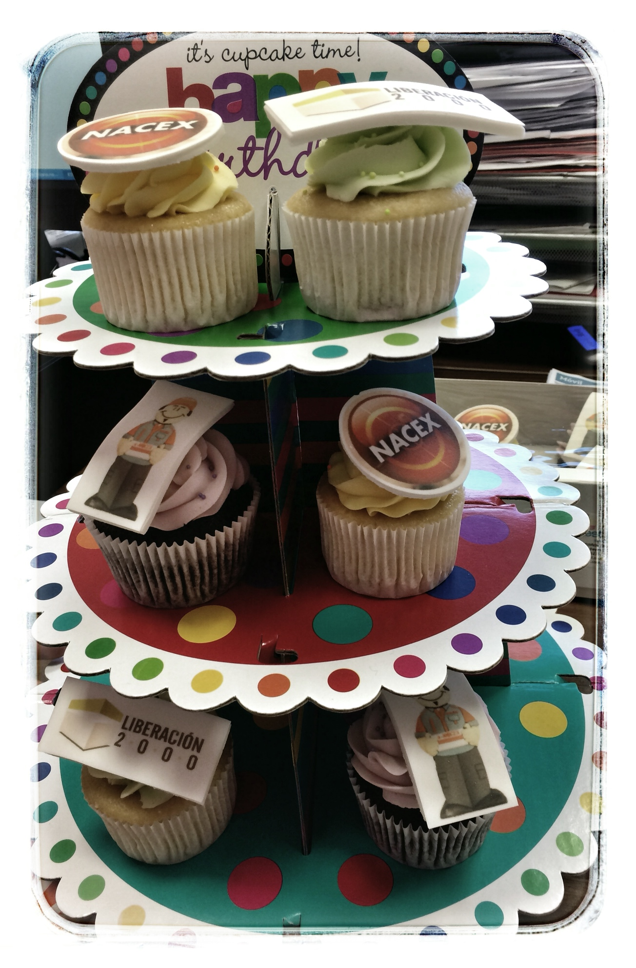 estupendos-cupcakes-aniversario-nacex