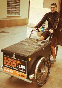 NACEX reparte con triciclo en Granollers